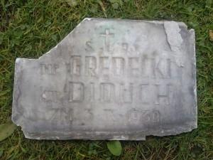pierwsza tablica na pomniku